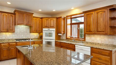Cabinet Cleaning by What Is The Best Way To Clean Oak Kitchen Cabinets