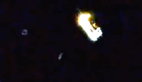 Many UFOs Near Japanese Cargo Craft Docking at Space ...