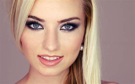 Четкий контур как и зачем использовать подводку для губ Makeup Все о макияже на сайте ИЛЬ ДЕ БОТЭ