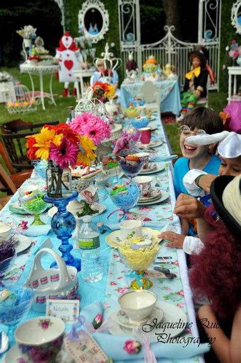 alice and wonderland table decorations alice in wonderland party ideas bing images alice in