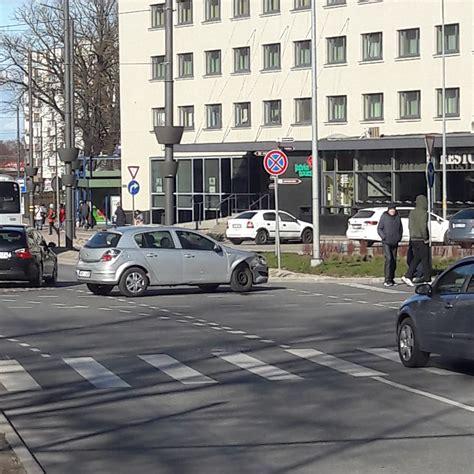Lielajā ielā notikusi divu automašīnu sadursme ...