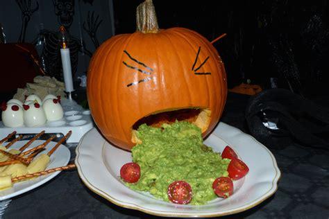 ideen fuer grauenhaftes essen halloween partiesserie