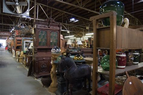 great small towns  antique lovers