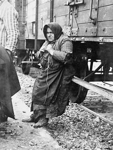 Babo Batren  An Elderly Jewish Woman From Tecso  Leans