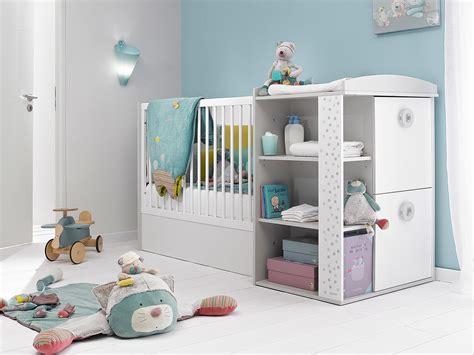chambre bébé évolutive lit bébé évolutif avec rangements et table à langer 60x120