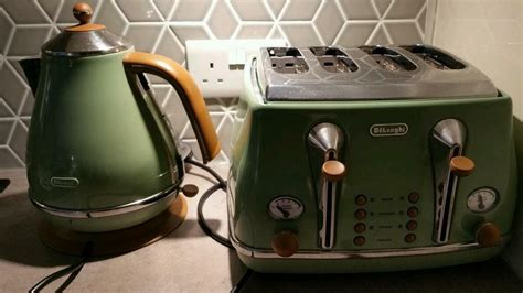 Delonghi Olive Green Vintage Icona Kettle And Toaster Set