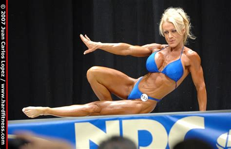 Tricia Travis - prejudging - 2007 USAs Figure and ...