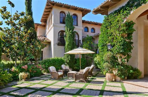 style courtyards style homes with courtyards wall fountains deisgn
