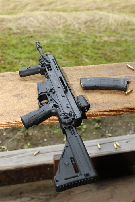 bt apc  submachine gun vp pistol   bt police military day  photo