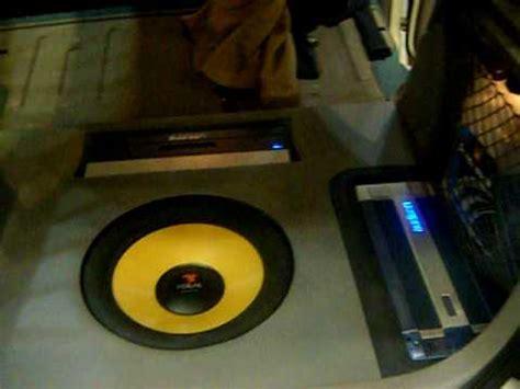 Nissan Almera N16 SQ Sound System from Istanbul - YouTube
