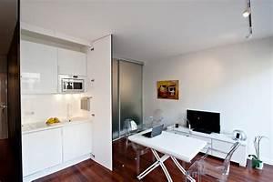 Des astuces pour optimiser l39espace d39un petit studio sans for Salle À manger contemporaineavec lit À eau