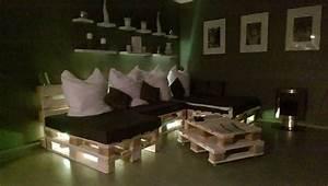 Sitzecke Aus Paletten : paletten sofa selber bauen wirklich so einfach ~ Frokenaadalensverden.com Haus und Dekorationen