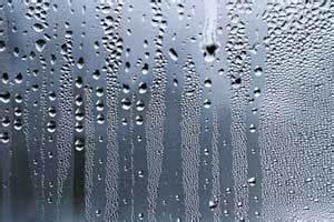 Luftfeuchtigkeit Im Bad : schimmel im bad entfernen ursache folgen und beseitigung ~ Markanthonyermac.com Haus und Dekorationen