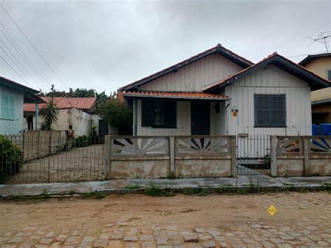 Restaurante santo antónio, madeira bild: Casa Madeira para Venda em Santo Antônio de Pádua Tubarão-SC