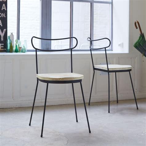 chaise en pin chaise en metal et pin lina chaises en bois pour