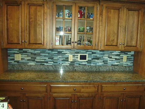 kitchen glass tile backsplash designs kitchen backsplash subway tile ideas in modern home
