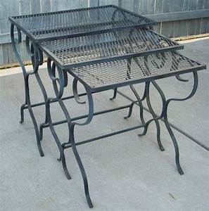 Mid century modern salterini woodard wrought iron outdoor for Outdoor patio nesting tables