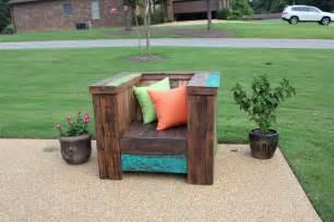 DIY Pallet Furniture Project