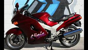1993 Kawasaki Ninja Zx11     Very Clean Machine W Only 12 136 Miles