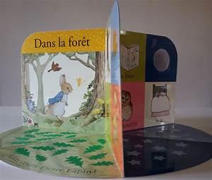 Livre D éveil Bébé : pierre lapin le livre tapis d veil de b b beatrix potter ~ Teatrodelosmanantiales.com Idées de Décoration