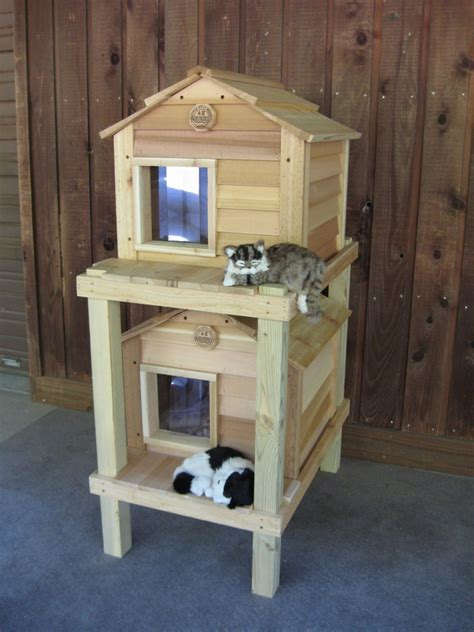 """20"""" Townhouse Cat House  Cat Houses  Blythe Wood Works"""