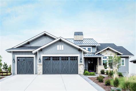 craftsman home plan   level expansion potential