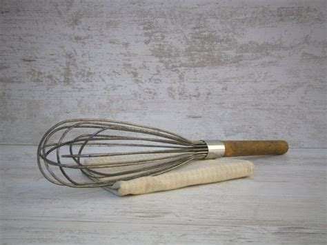 fouet cuisine vintage ancien grand fouet ustensile de cuisine 40
