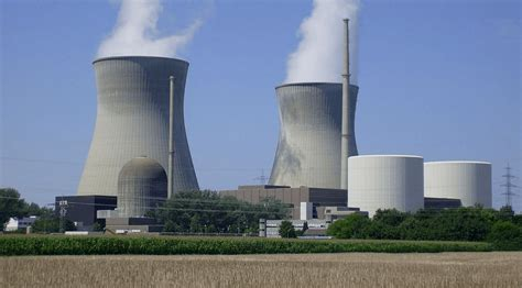 egypt finalizes deal  russia   nuclear plant