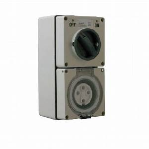 Industrial Three   3   Phase 4 Pin 40 Amp Switched Socket Outlet