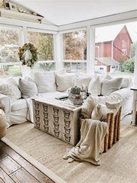 The practical update makes it possible to. 27 Farmhouse Living Room Decorating Ideas That You Should Try