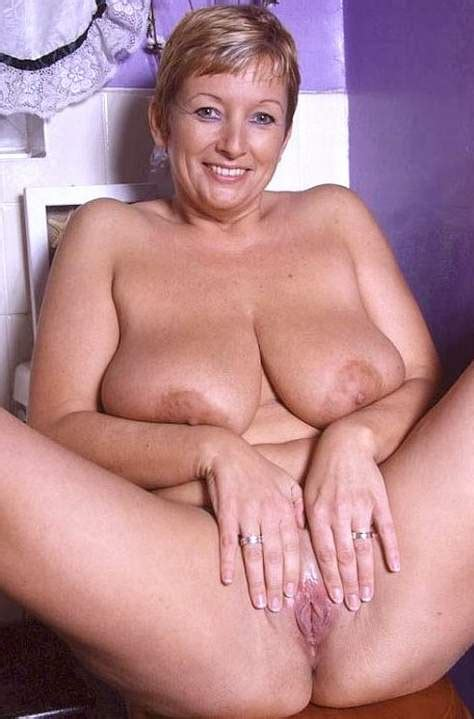 older mature nude women group