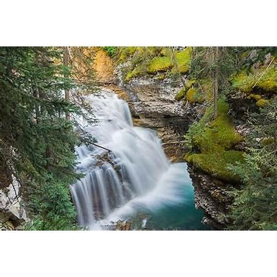 Break your Road Trip to BC at Johnston Canyon Alberta