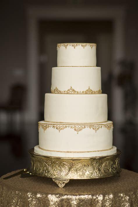 wedding cakes  cake flower