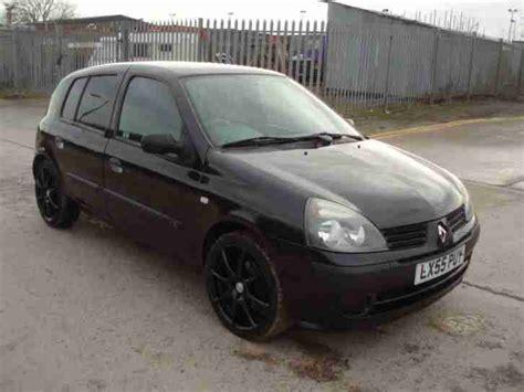 Renault 2005 Clio Authentique Black. Car For Sale