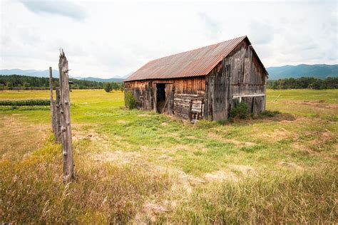 rustic barns old barn on highway 86 rustic barn photograph by gary heller