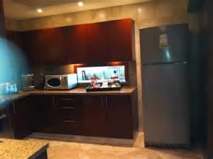 esstisch wohnzimmer küche mit durchreiche zum esstisch wohnzimmer picture of ja oasis tower dubai tripadvisor