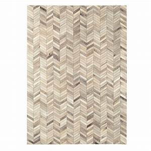 tapis beige en peau de vache cuir authentique fait main en With tapis peau de vache avec canape de luxe en cuir
