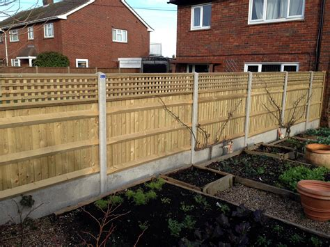 Trellis Fencing by Venetian Fencing And Trellis Fences In Kent