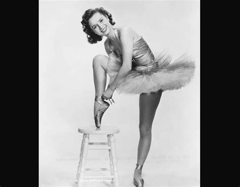 debbie reynolds dancer dancer debbie reynolds in her ballet costume debbie