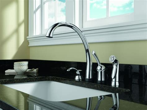 Delta Faucet Greensburg Indiana by Delta Signature Singlehandle Chrome Pullout Kitchen Faucet