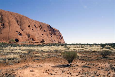 alternatives  climbing uluru  australia  backpacking
