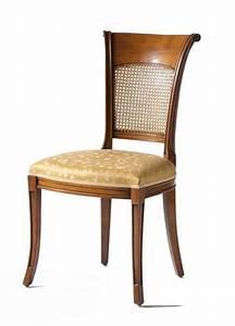 Sedia in noce, sedile imbottito, schienale in paglia di Vienna, per salotti in stile classico