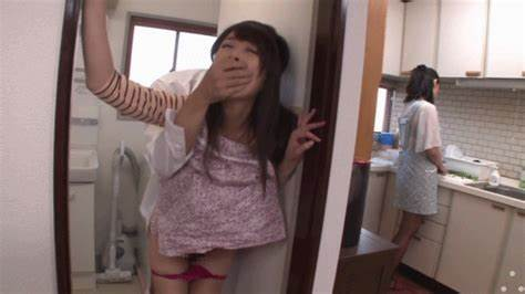 Japan Mamma Filled Daughters Showing Porn Images For Lbfm Cous And Stepsister Gif