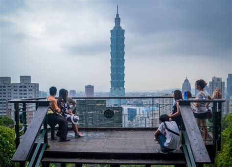 Best Views Of Taipei 101 From Elephant Mountain (xiangshan