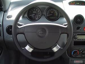 Image: 2006 Chevrolet Aveo 5dr Wagon LS Steering Wheel