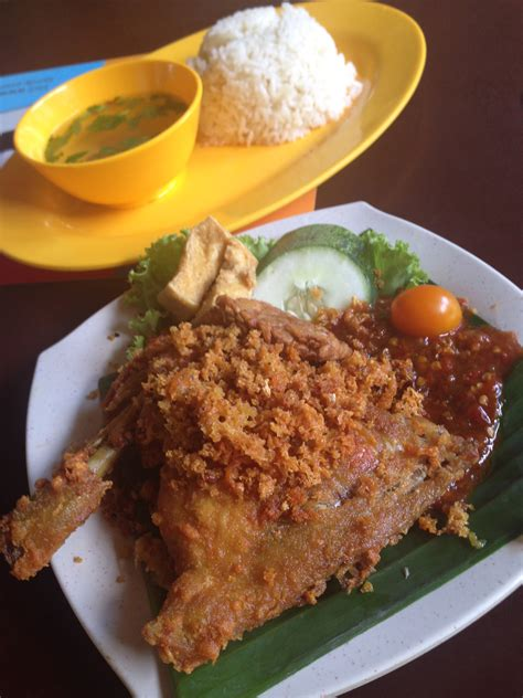 Nur Indah Kitchen (singapore) Indonesian Fried Chicken