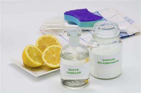 eliminare calcare doccia come pulire casa con l aceto tutti gli utilizzi non