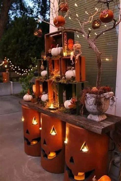 beautiful diy outdoor halloween decor  crates