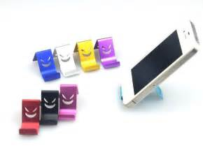 2014 newly metal mobile phone cell phone holder stand desk table phone stand with novelty face design for phone