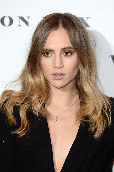 Center Part Hairstyles by Best 25 Center Part Hairstyles Ideas On